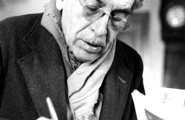Léon Moussinac à son bureau 1963
