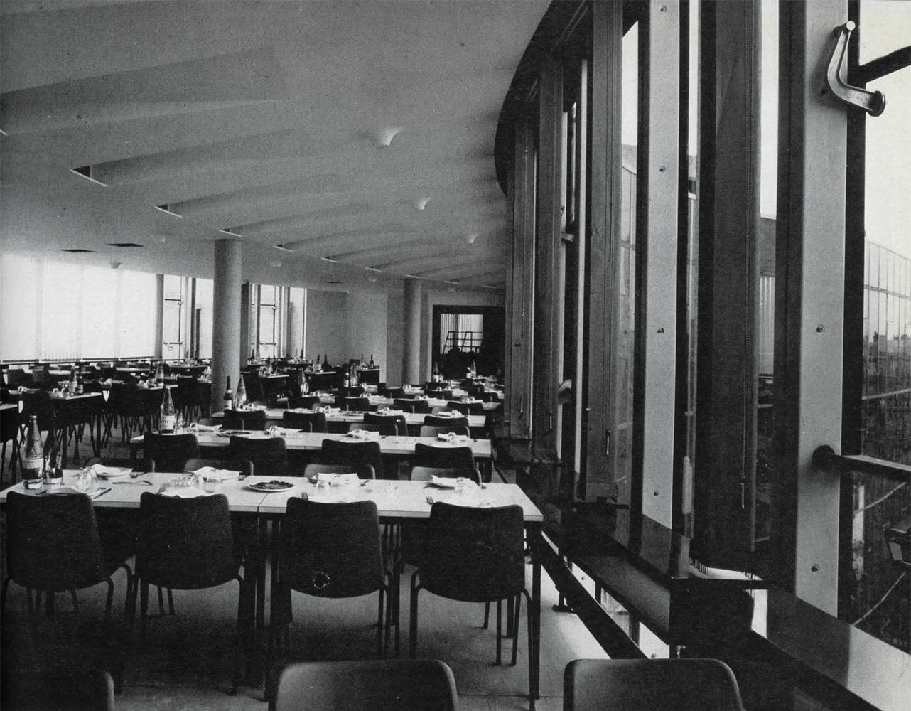 LE SIÈGE DU PARTI COMMUNISTE FRANÇAIS - Salle de réunion